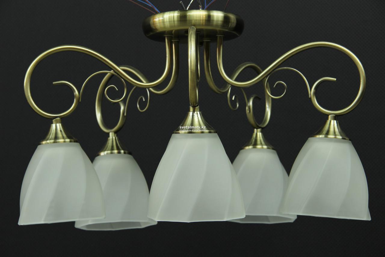 Светильник пятиламповый белый в стиле Винтаж