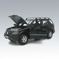 Автомодель 1:24 Mercedes-Benz ML 320