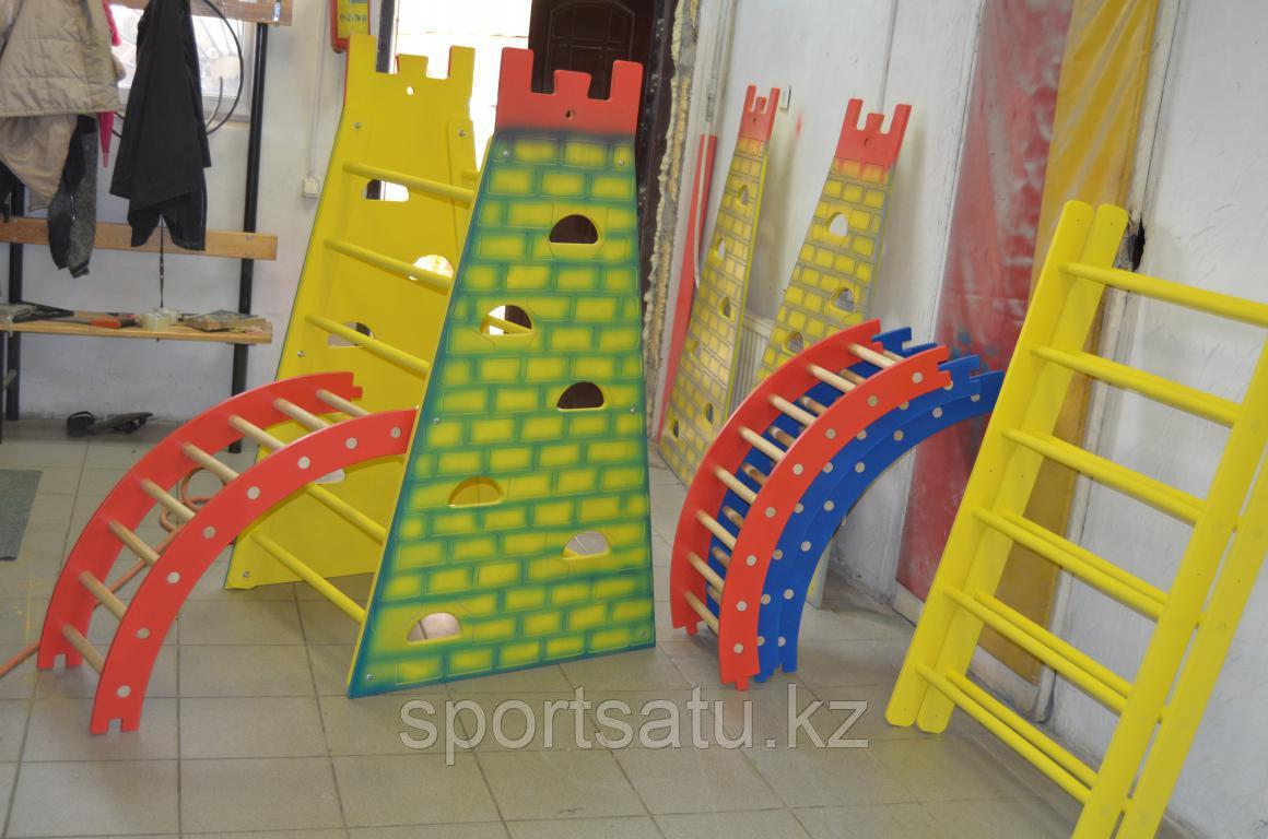 Башня-стенка для лазания