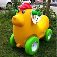 Детская машинка-каталка (толокар)