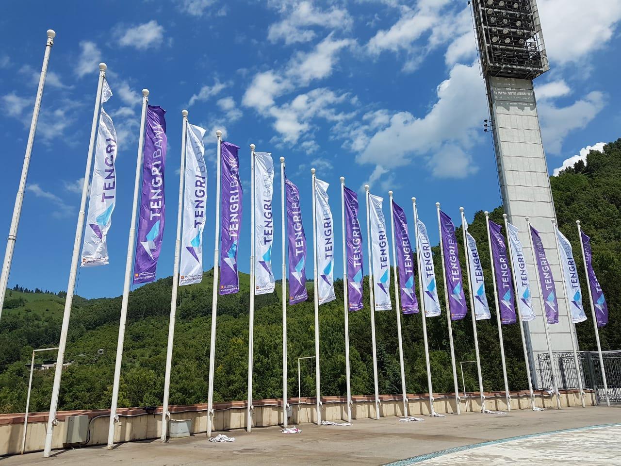 Печать флагов на политексе по индивидуальному заказу