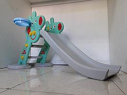 Детская игровая горка Свинка Пеппа с корзиной и рогом.