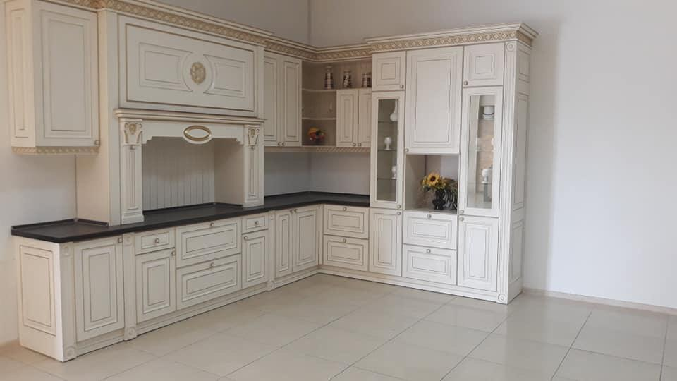 Кухонные гарнитуры крашенные МДФ классика