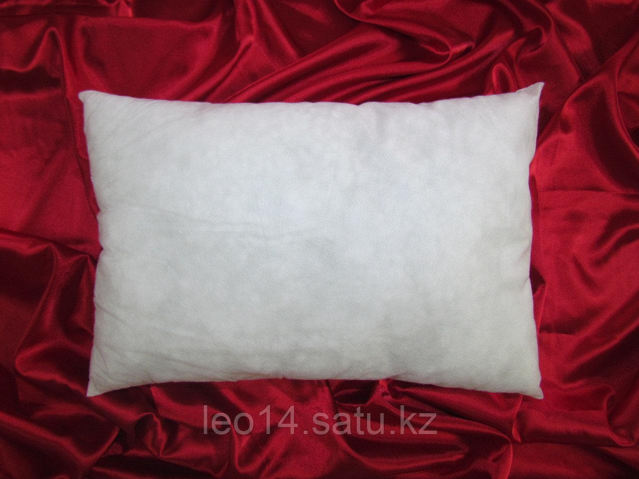 Подушка без наволочки 30х40 см. Спанбонд