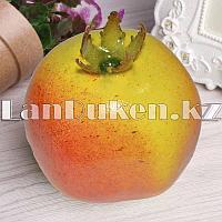 Искусственный фрукт гранат муляж, светлый