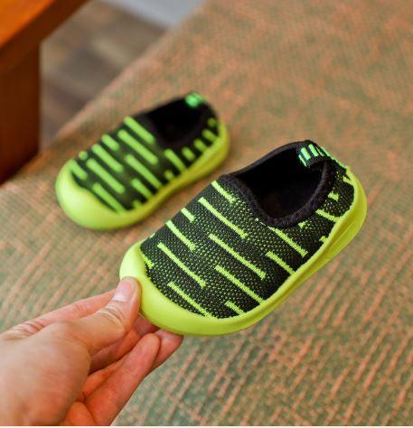 Летние кроссовочки, цвет зеленый