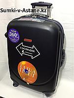 Средний пластиковый дорожный чемодан на 4-х колесах Ambassador.Высота 69 см,длина 42 см,ширина 26 см.Вес:4.80., фото 1