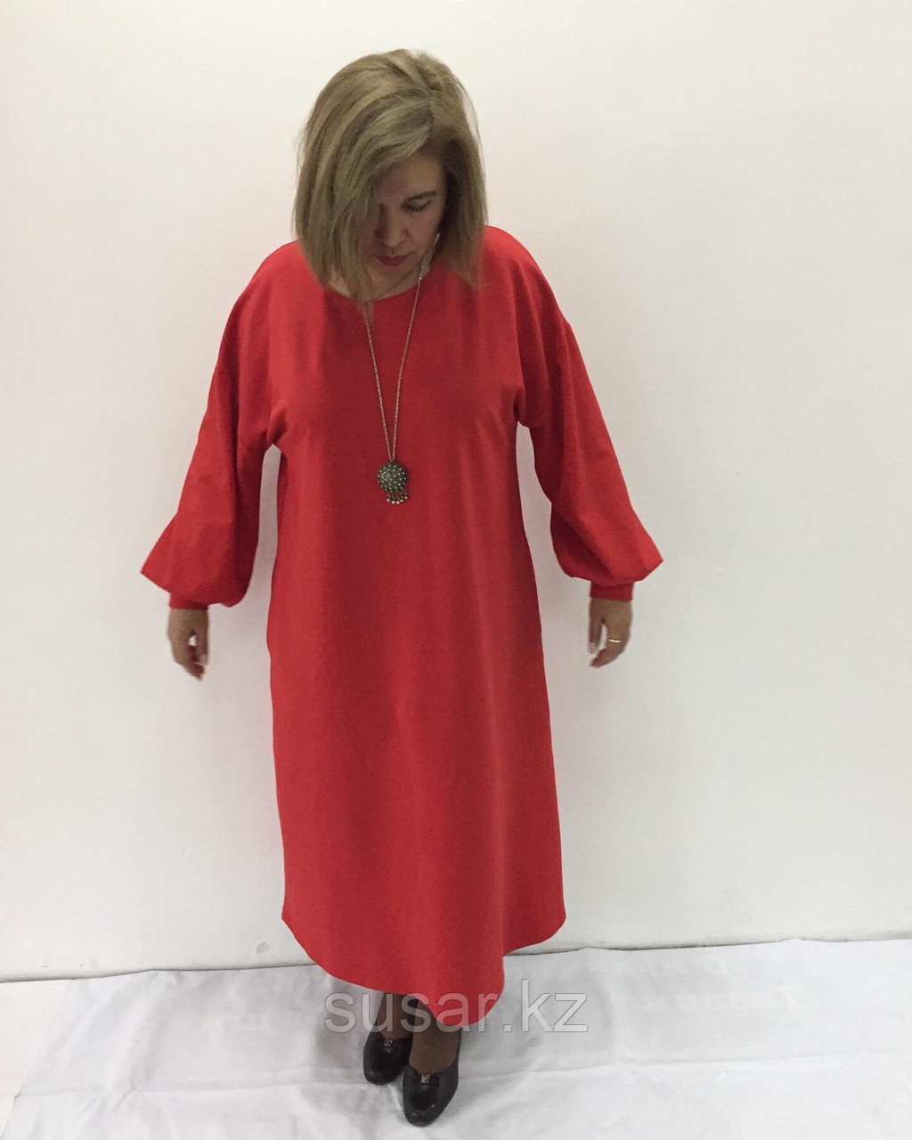 Платье дизайнерское с дутыми рукавами
