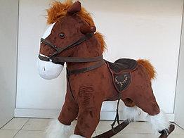 Большая музыкальная лошадка-качалка
