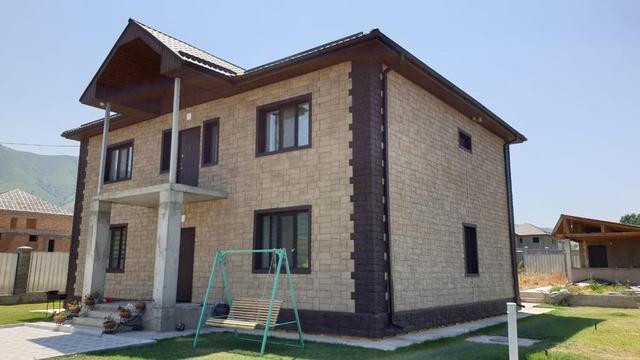 Частный жилой дом, облицованный фасадными панелями Fine Ber -1