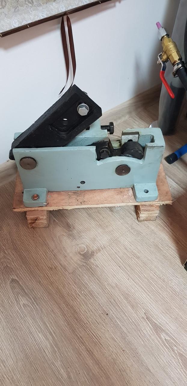 Ручной станок для резки арматуры SQ-12 (12 мм)