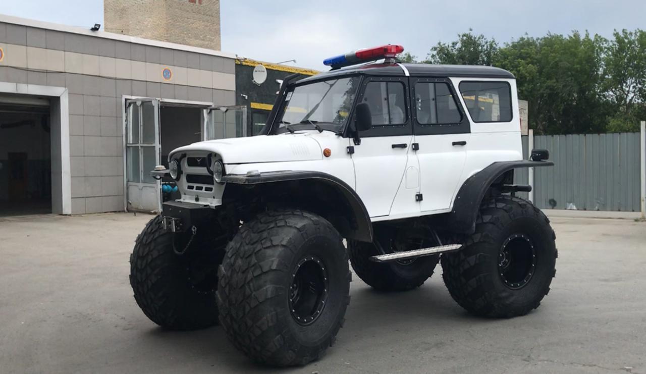 """Вездеход-Болотоход 4х4 на базе """"УАЗ Hanter"""""""