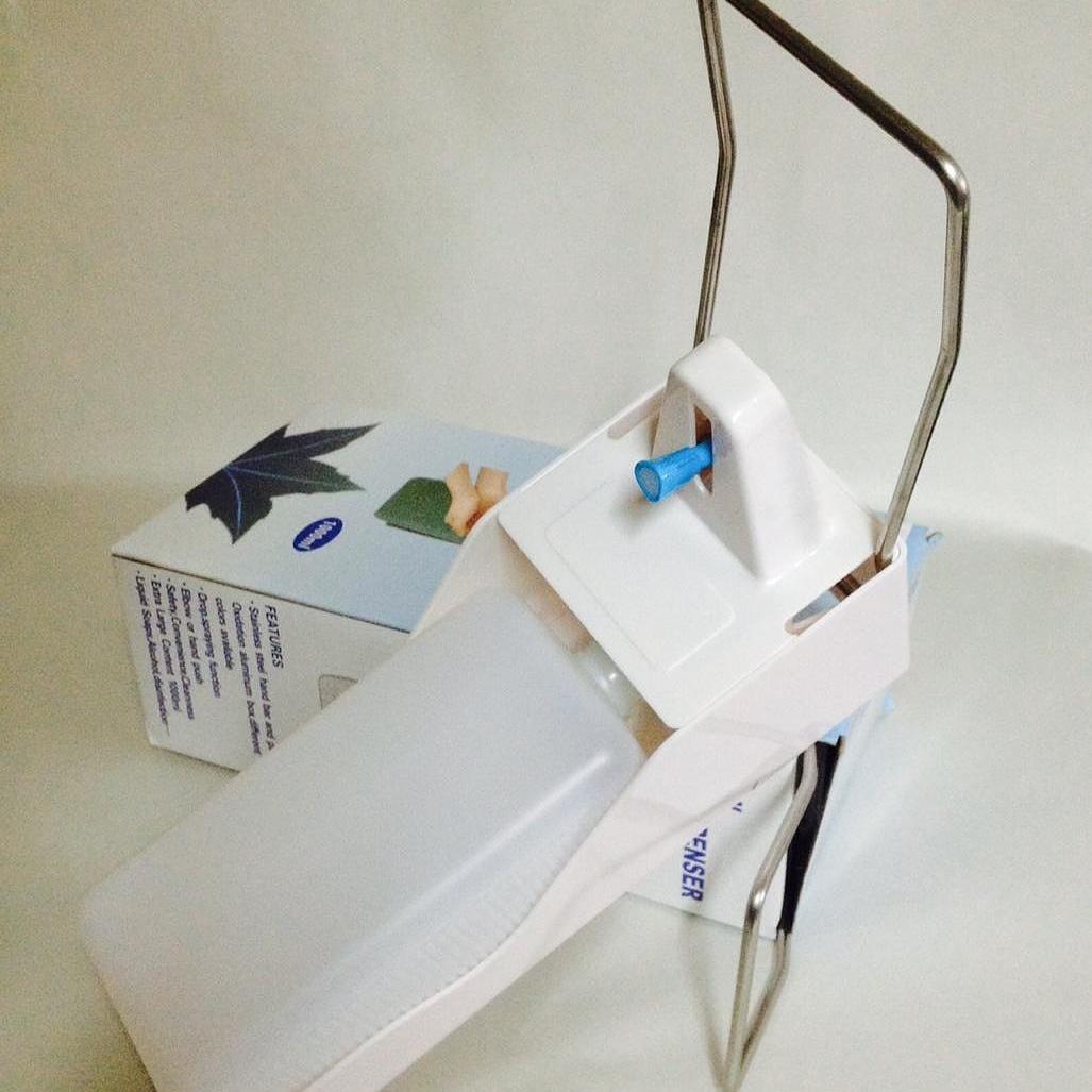 Локтевой дозатор с евроканистрой для жидкого мыла и антисептика