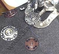 Автоматизированное решение для пришивания кнопок на базе электронной пуговичной машины Brother KE-430
