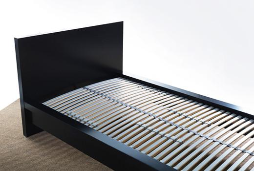 Реечное дно кровати.