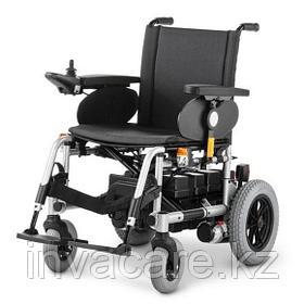 Инвалидная кресло-коляска с электроприводом MEYRA CLOU, пробег до 30 км, подъем 12%