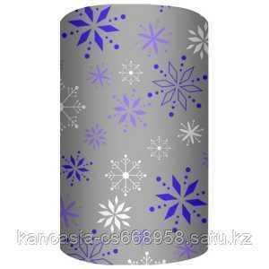 Non-branded Упаковочная бумага супергладкая, легкомелованная, Снежинки, 70*150 см, на сером фоне.