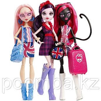 Набор из 3 кукол Монстры в Лондоне - Элизабет, Кэти Нуар и Вайперин, Школа Монстер Хай