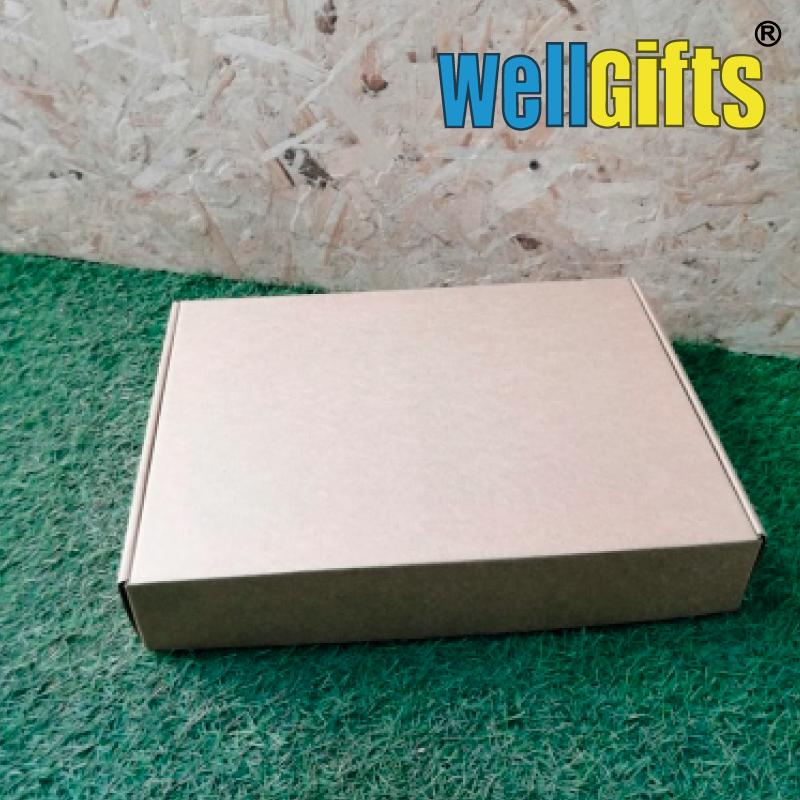 Подарочная коробка из микрогофрокартона 38х28х7 см