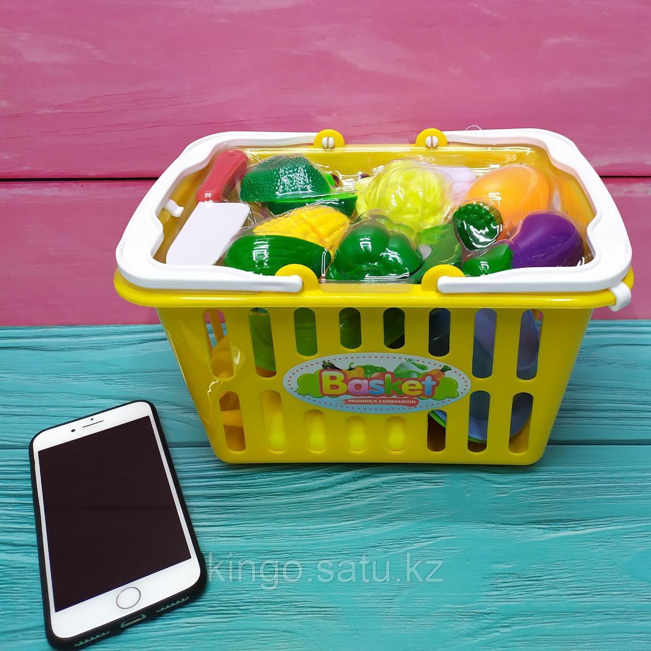 Детская корзинка с овощами и Набором детской посуды