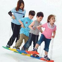 Игра Лыжня на 4 человекаДетский тимбилдинг – сделаем праздник для детей вместе!  В детском и подростковом возр