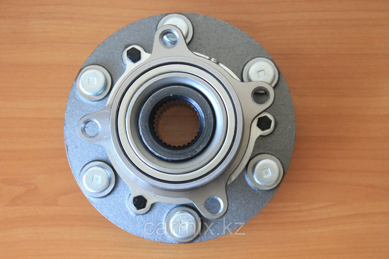 Ступица передняя в сборе (переднее колесо) MITSUBISHI L200 KB4T, GT BEARINGS