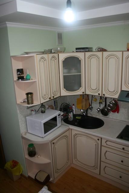 Кухня с резными фасадами