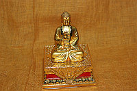 Будда на груди - свастика