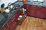 Кухня с бордовыми фасадами с акрилом, фото 4