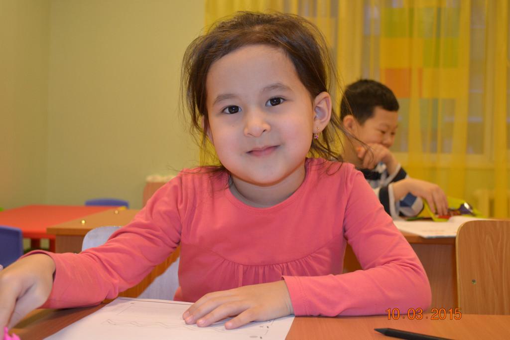"""Занятия в группах по """"Подготовке к школе"""" на казахском и русском языке, полный день и кратковременное пребывание детей."""