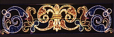 Растяжка светящаяся светодиодная над улицей новогодняя из дюралайта