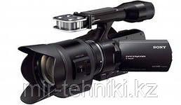 Профессиональная видеокамера Sony NEX-VG30EH