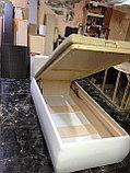Кровать из белой кожи с подъемником, фото 3