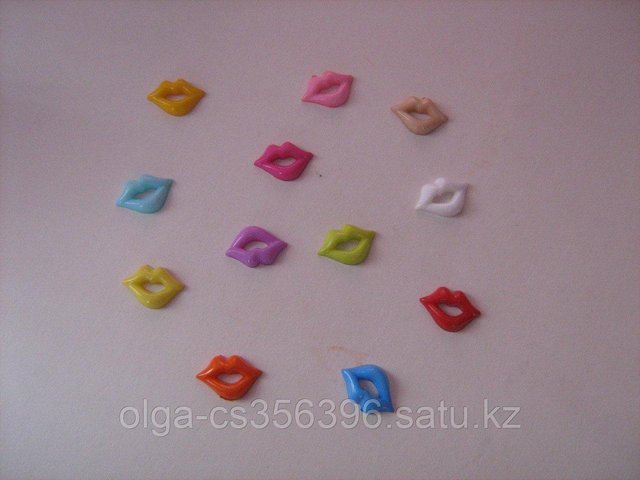 Кабошоны ( пластик). Губы.  Creativ 852
