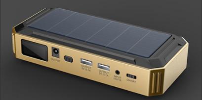 """Универсальное пуско-зарядное устройство """"JumpStarter Solar"""" с солнечной панелью отличается высокой емкостью внутренней АКБ и большим пусковым током"""