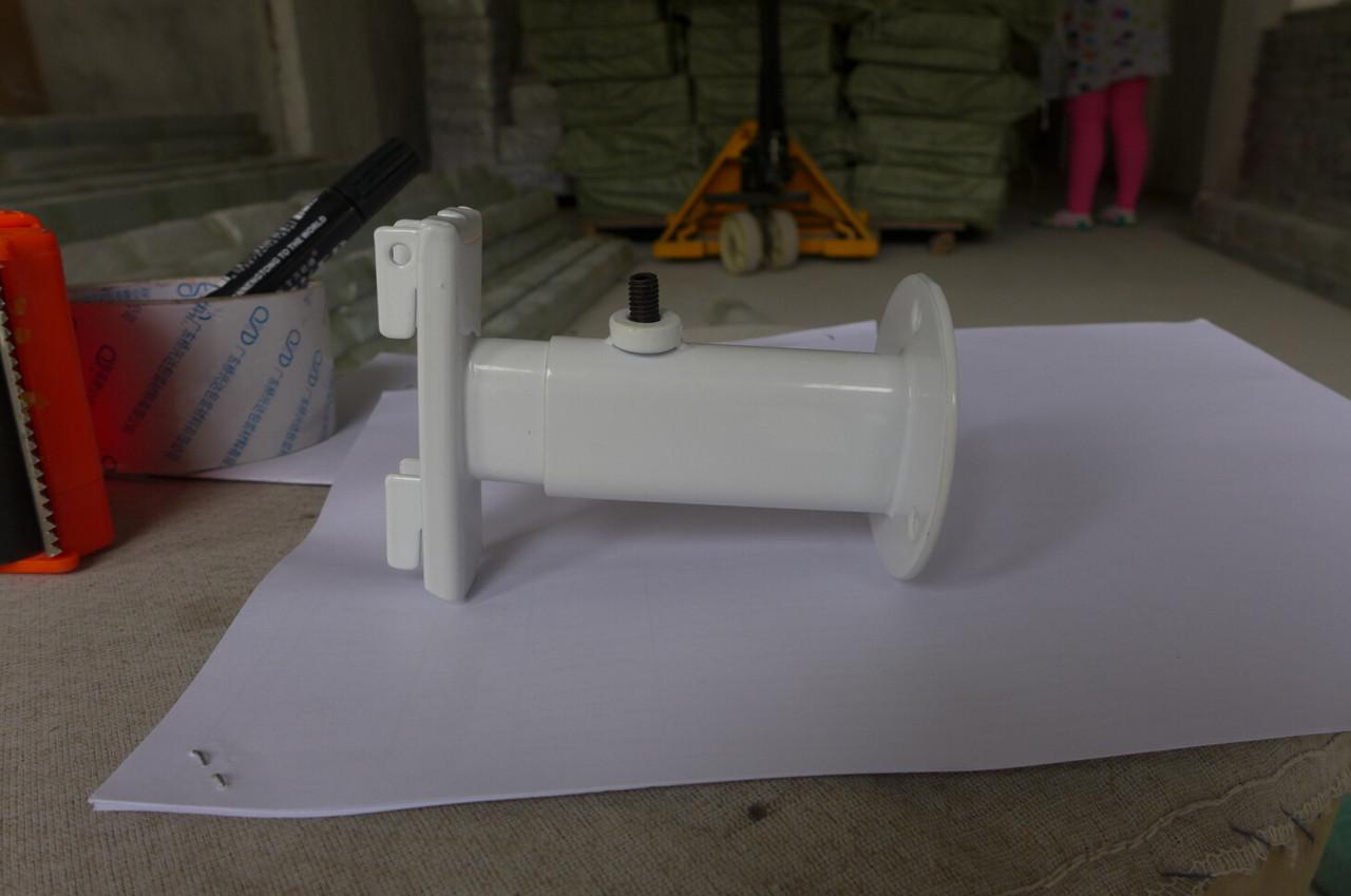 Торговое оборудование - Крепление пристенное для трубы