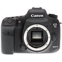 Canon   EOS 7D Mark II Body  + второй аккумулятор в подарок BATTERY-GRIP BG-E16,    (20MPix / DIGIC 6 / ISO 100–16000/ CMOS, 10fps, APS-C (22,4x15