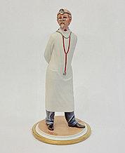 Фарфоровая статуэтка Доктор. Италия, ручная работа