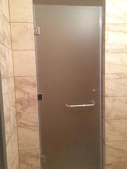 стеклянные раздвижные и распашные двери  6