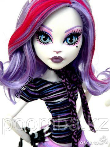 Школа Монстров, Monster High Scaris Catrine DeMew, Катрин ДеМяу в Париже (Скариж)
