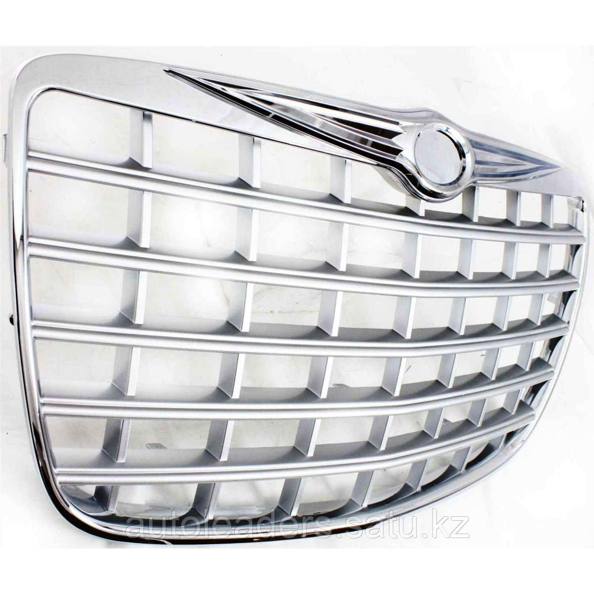 Решетка радиатора Chrysler 300C 2005-2010