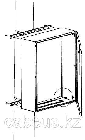 DKC / ДКС R5FB500 Комплект крепления шкафов CE/ST/RAM box к столбу (ширина шкафа- 500 мм) ( в комплекте: профиль, стяжной хомут, замок для фиксации