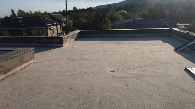 Подготовка поверхности,очистка от гравия,пыли,грязи.
