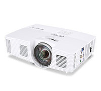 Acer projector H6517ST, 1080p/DLP/Short Throw (0.50:1)/3D/3200 Lm/10000:1/8000 Hrs/USB-mini B/HDMI/Wi-Fi via MHL Adapter(option)/2.5 kg/Carry case