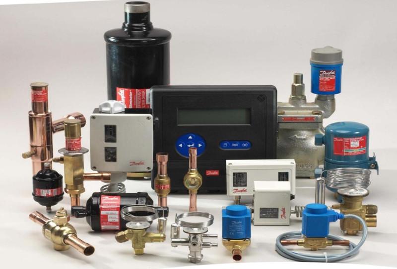 Регулятор скорости вращения вентиляторов конденсатора RGE-Z1L4-7DS