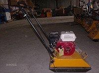 Виброплита ХЗР-80А (двигатель Хонда) с бачком, фото 2