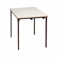 Стол обеденный 4-местный. Под табуретки.