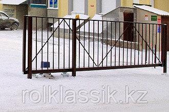 Откатные ворота 4400х2500 стандартные с решеткой из профильной трубы