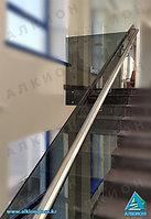 Стеклянное ограждение для лестниц