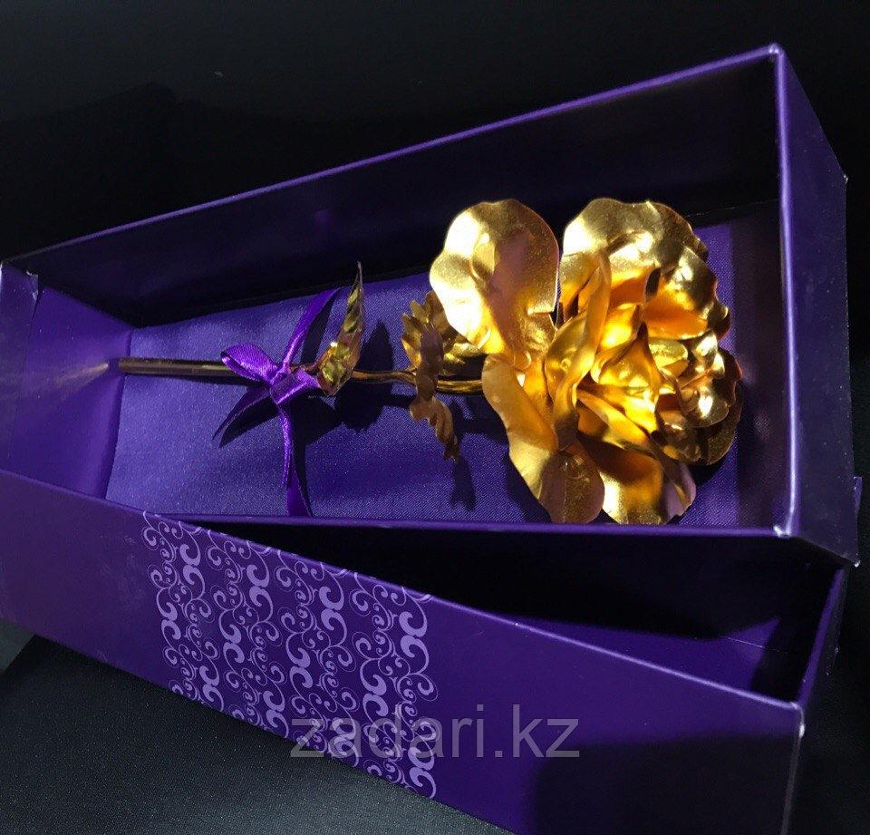 Роза в коробке «Golden rose»